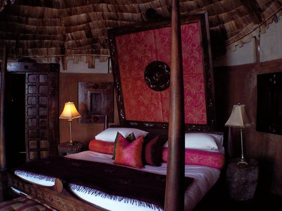 andBeyond Ngorongoro Crater Lodge: bedroom