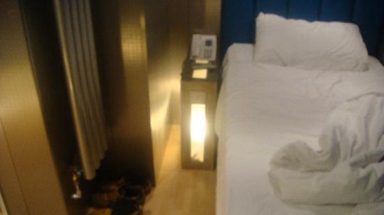 Stylotel: Single room - bed