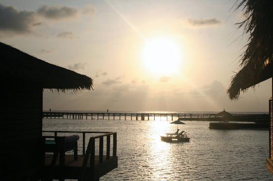 Anantara Veli Maldives Resort: Sunrise