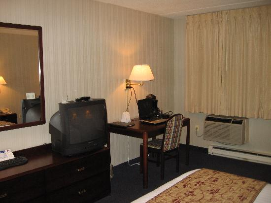 Fairfield Inn Manchester-Boston Regional Airport: Work station