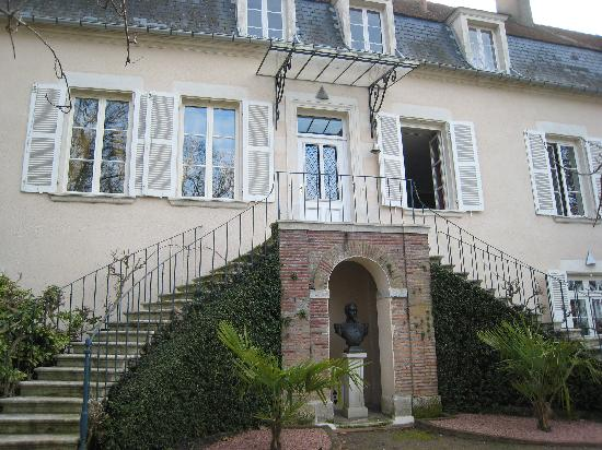 Le Prieuré Saint Agnan : The entry of the B&B