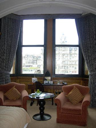 The Scotsman Hotel: Large windows