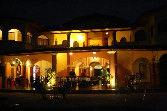 Villa Los Aires/Las Aguas Lodge: Las Aguas- At Night