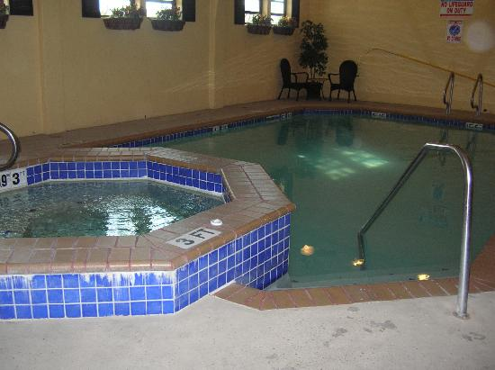 Indoor Pool And Hot Tub Picture Of Best Western Alamo Suites San Antonio Tripadvisor
