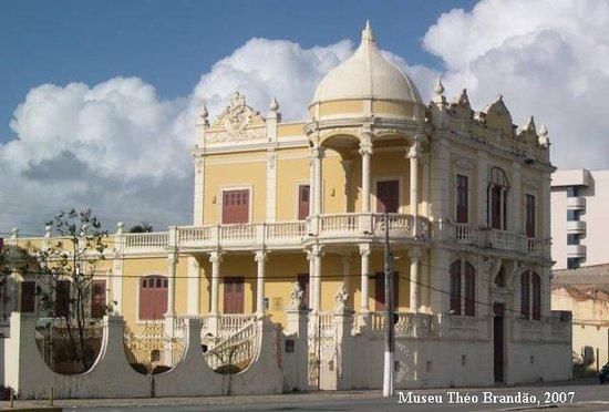Museu Théo Brandão de Antropologia e Folclore