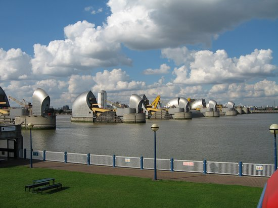 ‪The Thames Barrier‬