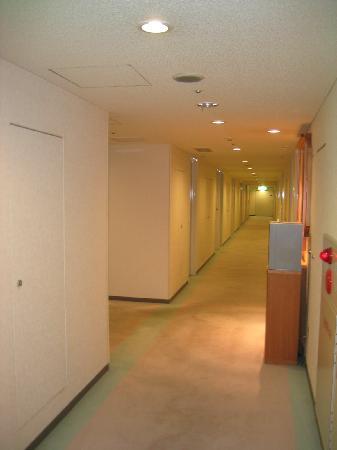 Hotel Route Inn Tokyo Asagaya: hallway
