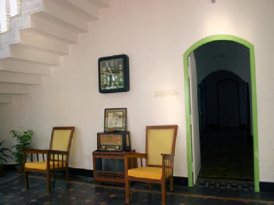 La Maison Blanche: Antique furniture around the guesthouse - Antique Furniture Around The Guesthouse - Picture Of La Maison