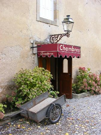 L'hostellerie de l'Eveche: The Entrance to our Room