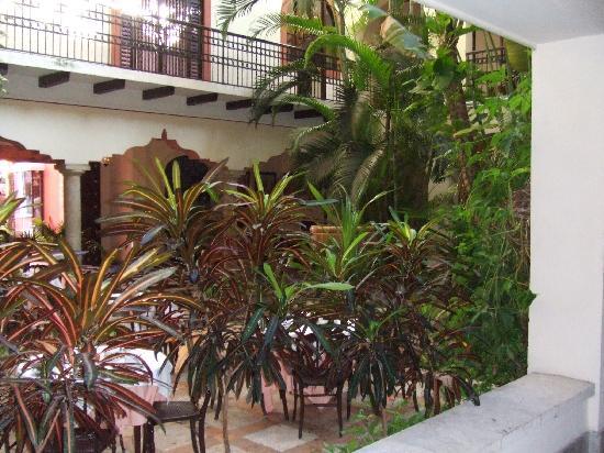 Hotel Casa del Balam: patio