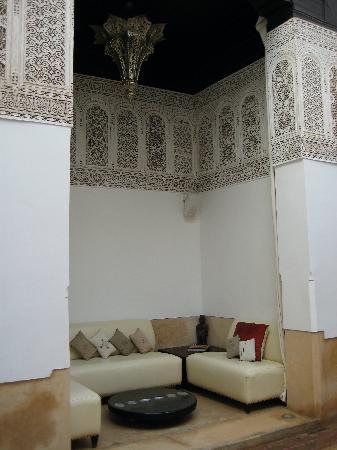 Riad Farnatchi,resting space