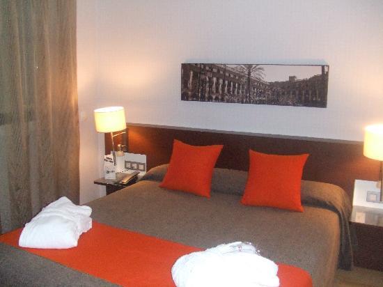 Hotel Rekord: Bedroom (1)
