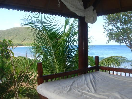 Tainos Cottages: vue du carbet de la piscine