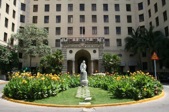 Hotel Nacional de Cuba - the front door