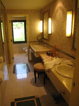 Iguazu Grand Resort, Spa & Casino: bathroom