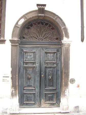 Palazzetto Barbaro  del Giglio: The front door