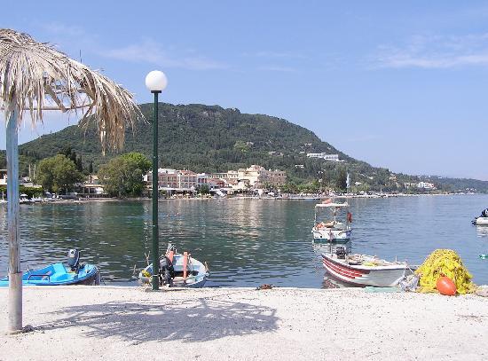 La plage de Benitses