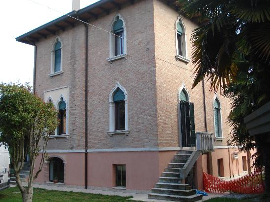 la villa Berghinz coté jardin