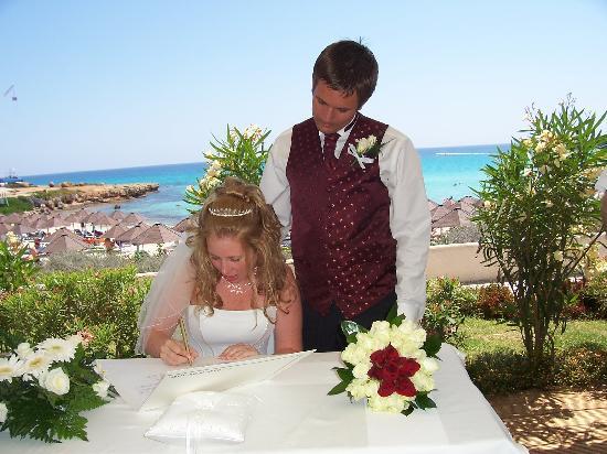 Nissi Beach Resort : signing my life away.......lol