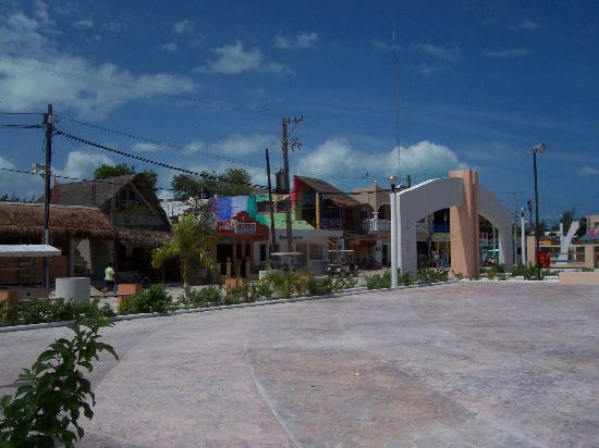 Casa Maya Holbox: Village Square