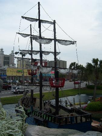 Captain Hook's Adventure Golf: The pirate ship