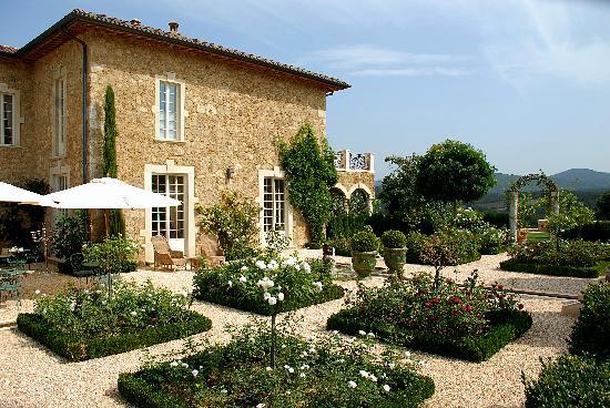 Borgo Santo Pietro: The rose gardens
