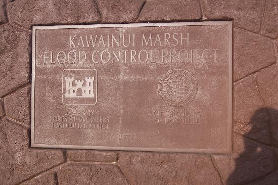 Kawai Nui Marsh : Moument Marker