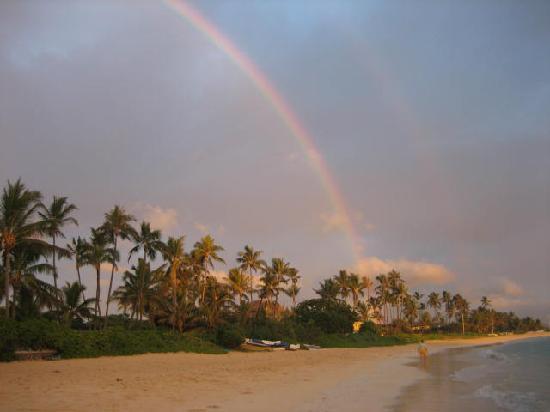 Lanikai Beach : Rainbow at sunrise 09/07