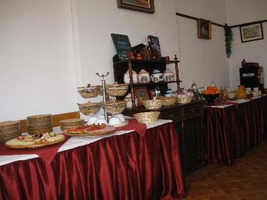 Hotel Kulturinnov : This is what the breakfast buffet looks like!
