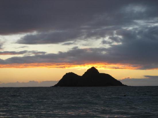Lanikai Beach: Right before sunrise - Lanikai