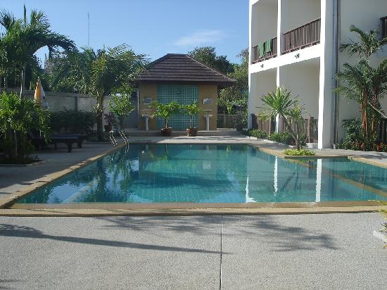 Krabi Cozy Place Hotel: view of pool