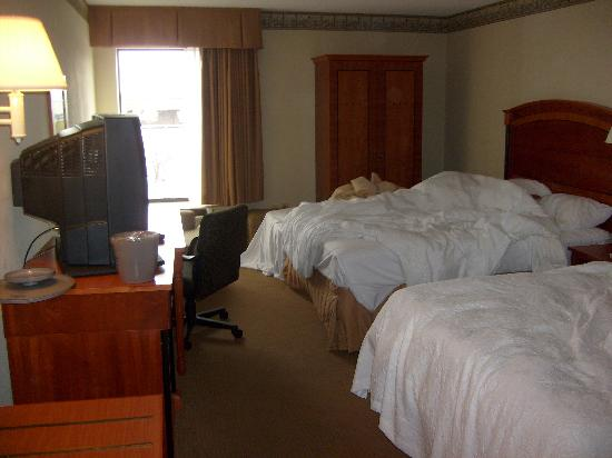 Hampton Inn Uniontown: Room