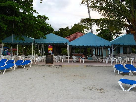Puerto Plata Village Resort: beach restaurant