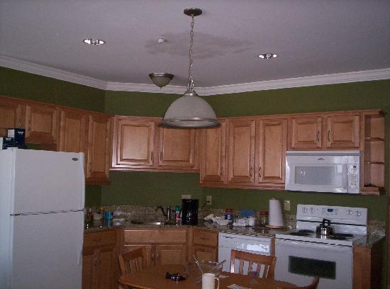 Sanbornton, NH: What a beautiful kitchen
