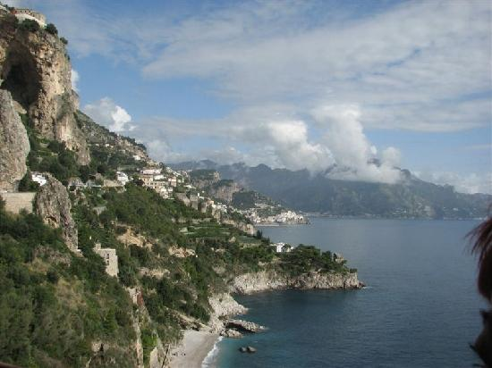 Coast Road : Amalfi coast through the bus window