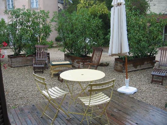 Beaune Hotel : La terrasse de notre chambre