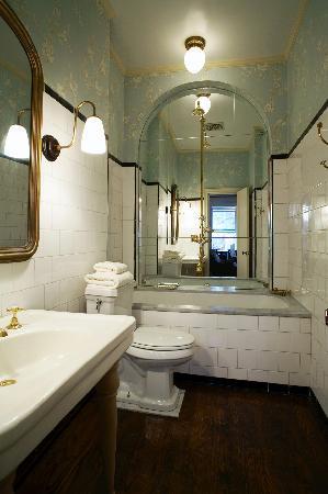 Lafayette House: Bath