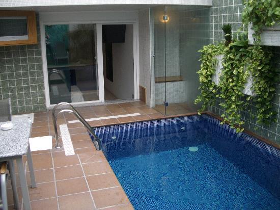 Comida fotograf a de zouk motel alcal de henares for Hotel piscina habitacion