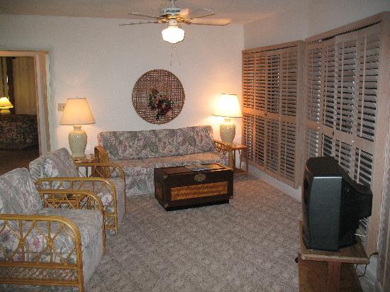 Freeport Resort & Club: Living Area with queen sleeper