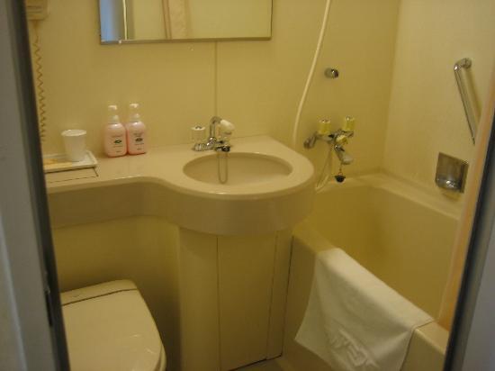 fachada do hotel route inn asagaya Picture of Hotel Route Inn – One Piece Bathroom