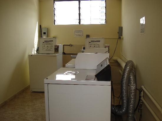 Sevilla Suites Apart-Hotel: Sala de lavado