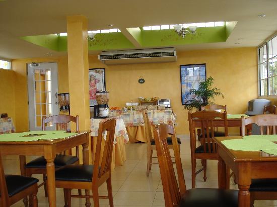 Sevilla Suites Apart-Hotel: Desayunador