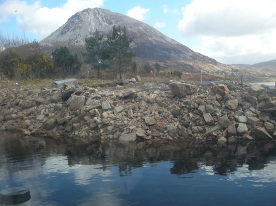 Comté de Donegal, Irlande : view of mount errigal, donegal