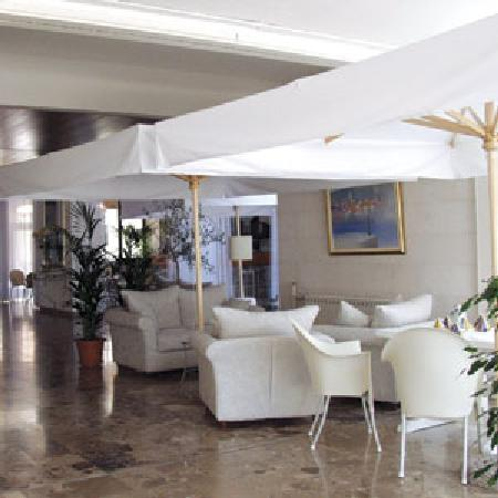 Supetar, Croatia: lobby