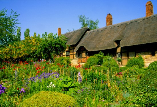 Stratford-upon-Avon, UK : Anne Hathaway's Cottage