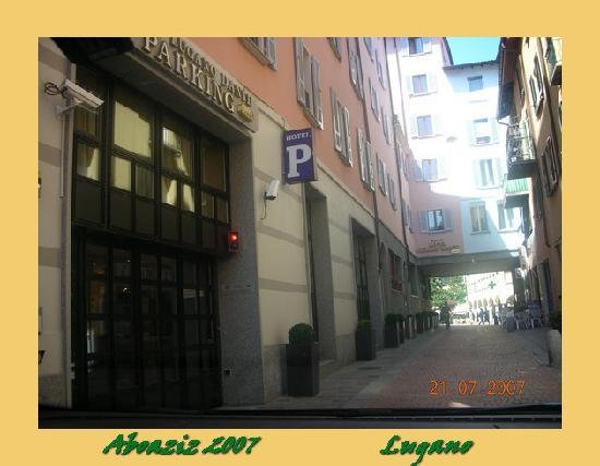 Lugano Dante Center Swiss Quality Hotel: Car Parking