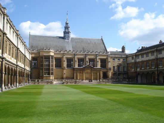 伦敦圣三一学院