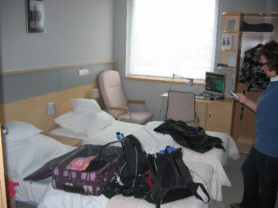 Quality System Hotel Wroclaw: Not so tidy bedroom