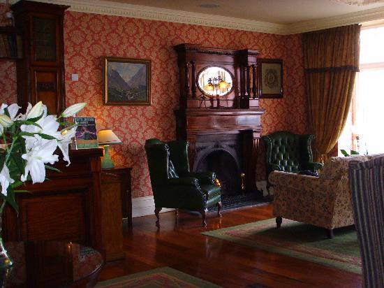Arbutus Hotel: Old World Style