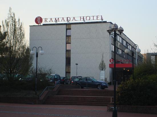 H+ Hotel Bochum: The Hotel